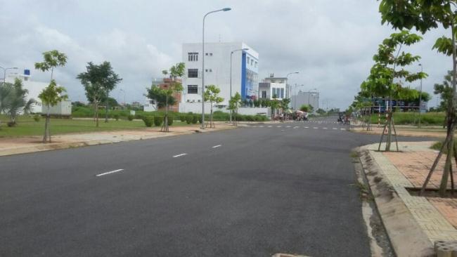 Đất KDC Làng Việt Kiều giá 5tr/m2 SHR, thổ cư 100% đường 16m