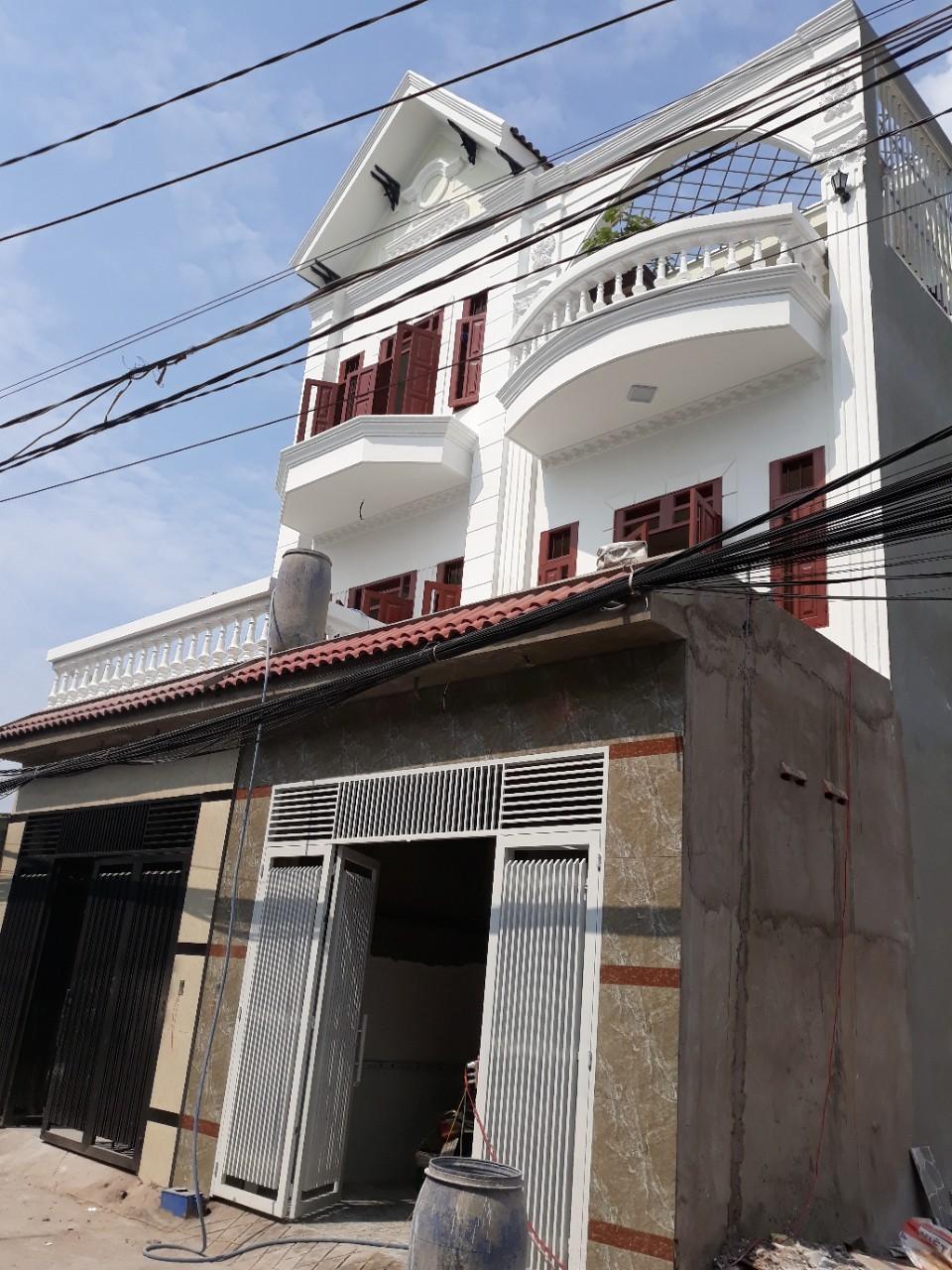 Bán nhà 2 lầu 1 trệt, giá rẻ, Đường Bình Thung, Phường Bình An, Dĩ An, Bình Dương