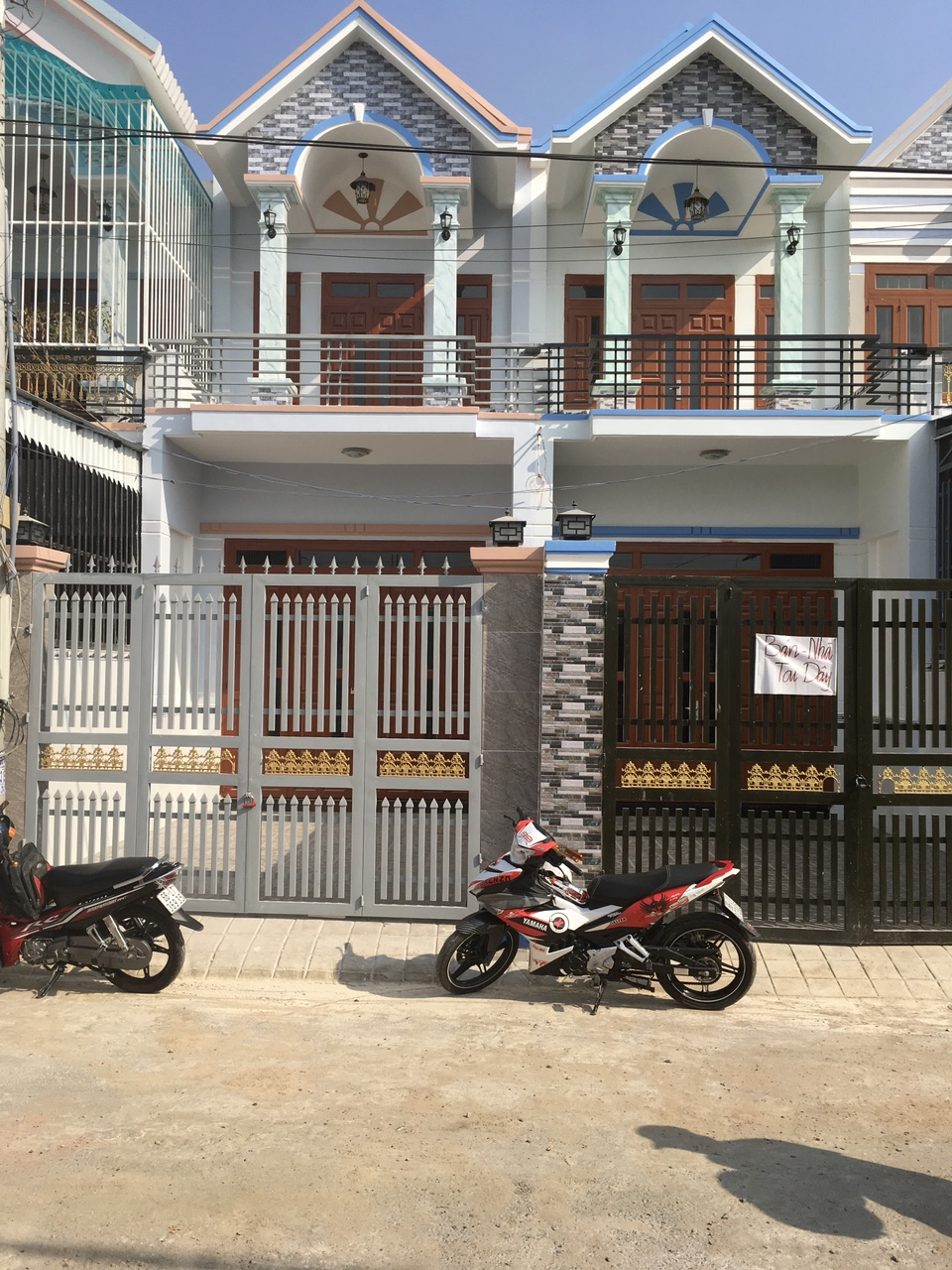 Bán nhà 1lầu 1trệt,giá rẻ, đường ĐT743,gần ngã tư bình thung,phường tân đông hiệp,dĩ an,bình dương