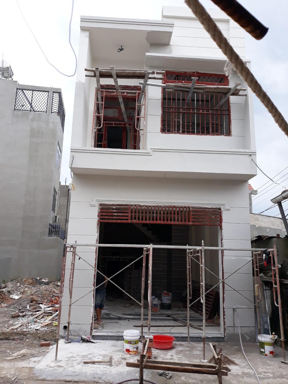Bán nhà 1 lầu 1 lửng 1 trệt,Đường Nguyễn Hữu Cảnh,gần hội trường đông hòa,dĩ an,bình dương