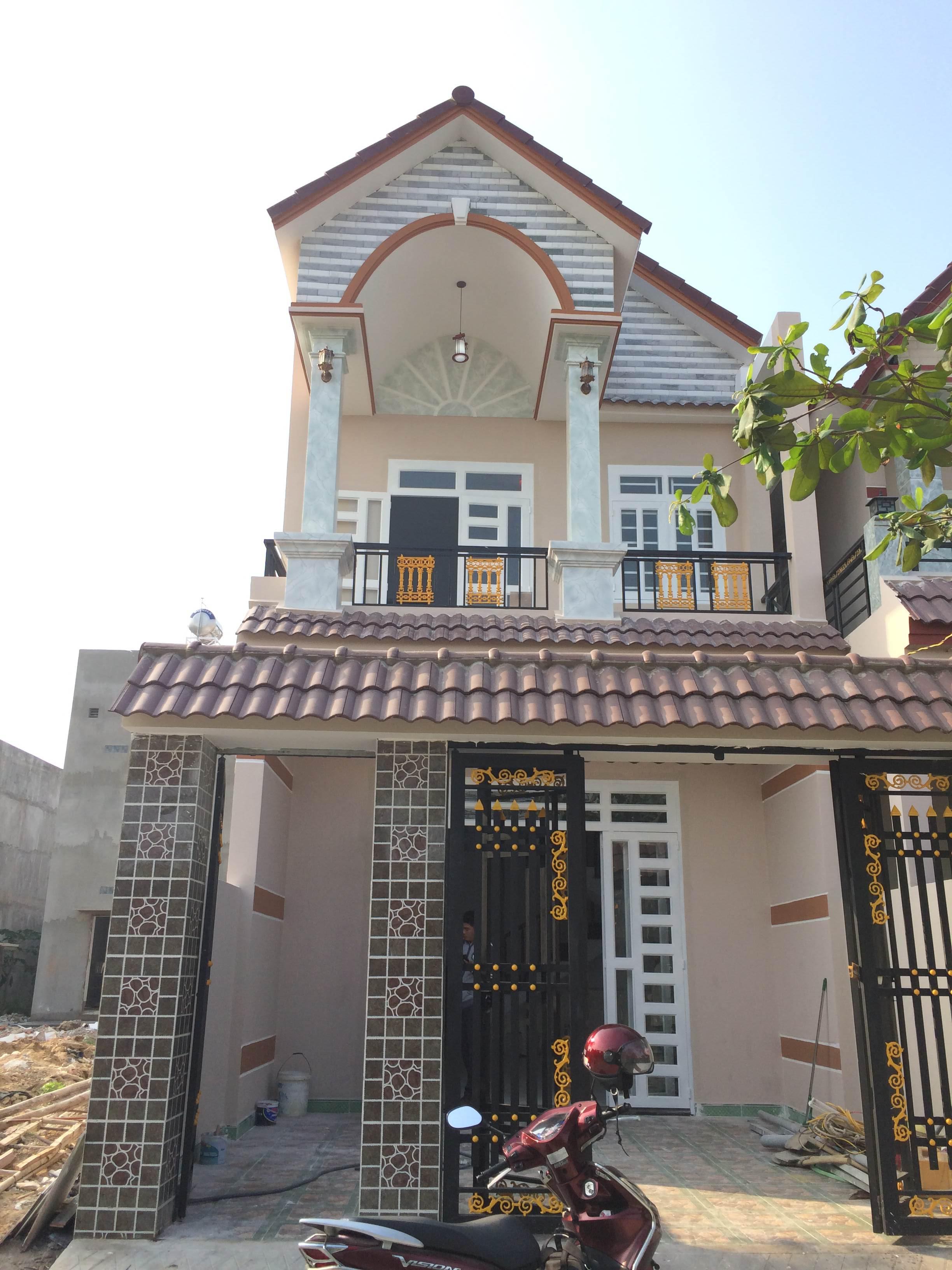 Nhà đất dĩ an bình dương giá rẻ có DT 102m2