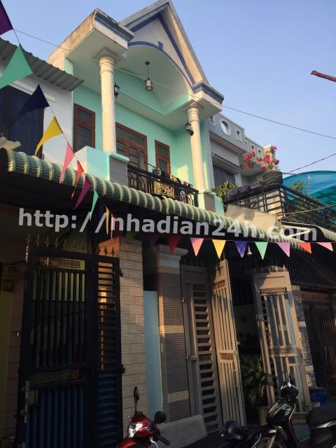 Nhà Dĩ An bán trên Đường Trần Thị Dương gần chợ Tân Long, sổ riêng, đường thông