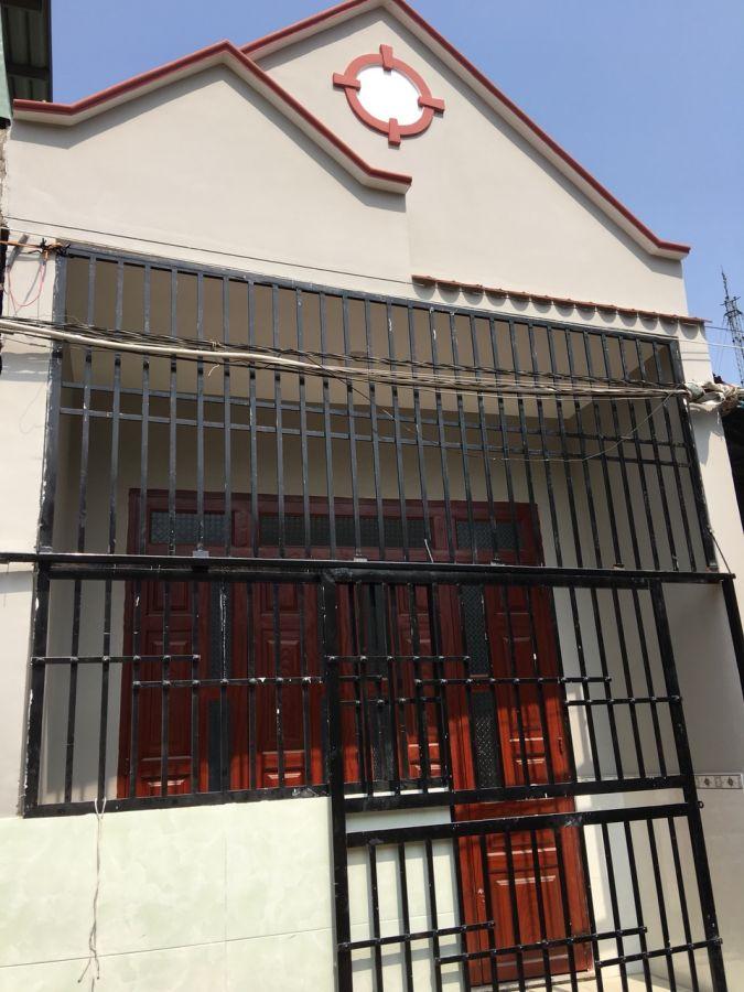 Bán nhà cấp 4 gác lửng đúc nằm gần đường Nguyễn Thị Minh Khai dĩ an bình dương.