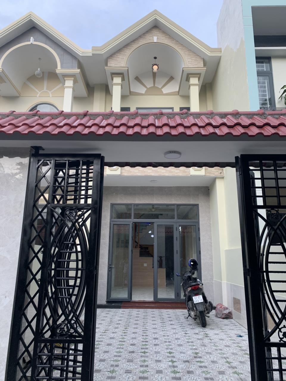 Bán nhà lầu trệt mới hoàn thiện cách trung tâm y tế Dĩ An 200m phường Tân Đông Hiệp thị xã Dĩ An