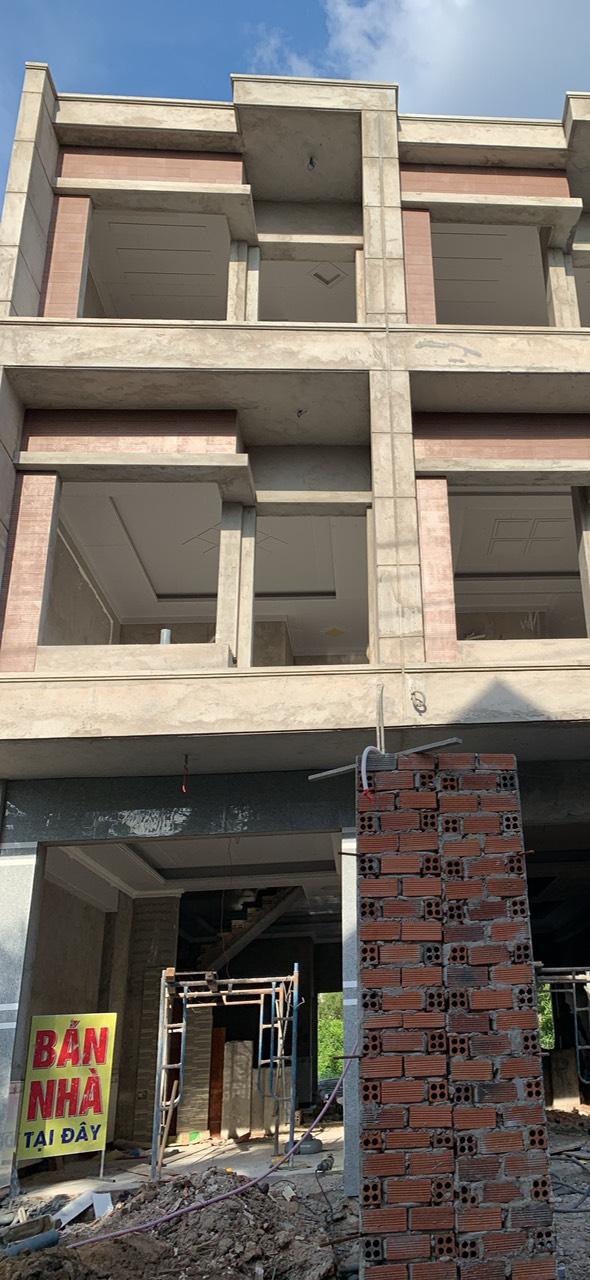 Bán nhà Dĩ An trệt hai lầu sổ hồng riêng gần UBND phường Đông Hòa thị xã Dĩ An