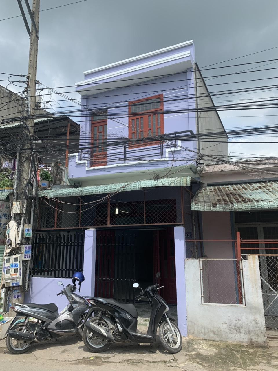 Bán nhà Dĩ An 1 lầu 1 trệt mặt tiền đường nhựa thông phường Tân Đông Hiệp Dĩ An sổ hồng riêng