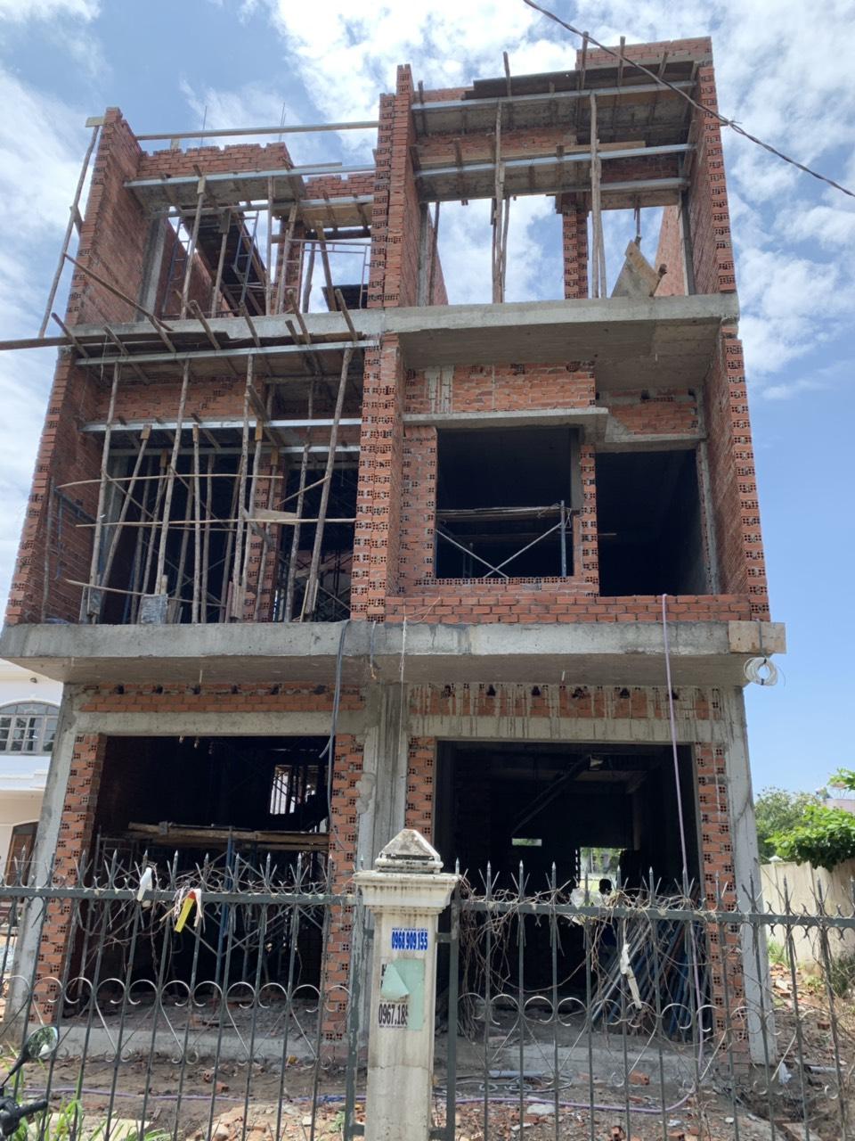Bán nhà Dĩ An 1 trệt 2 lầu sổ hồng riêng chính chủ gần ngã ba cây lơn phường Đông Hòa  , thị xã Dĩ An