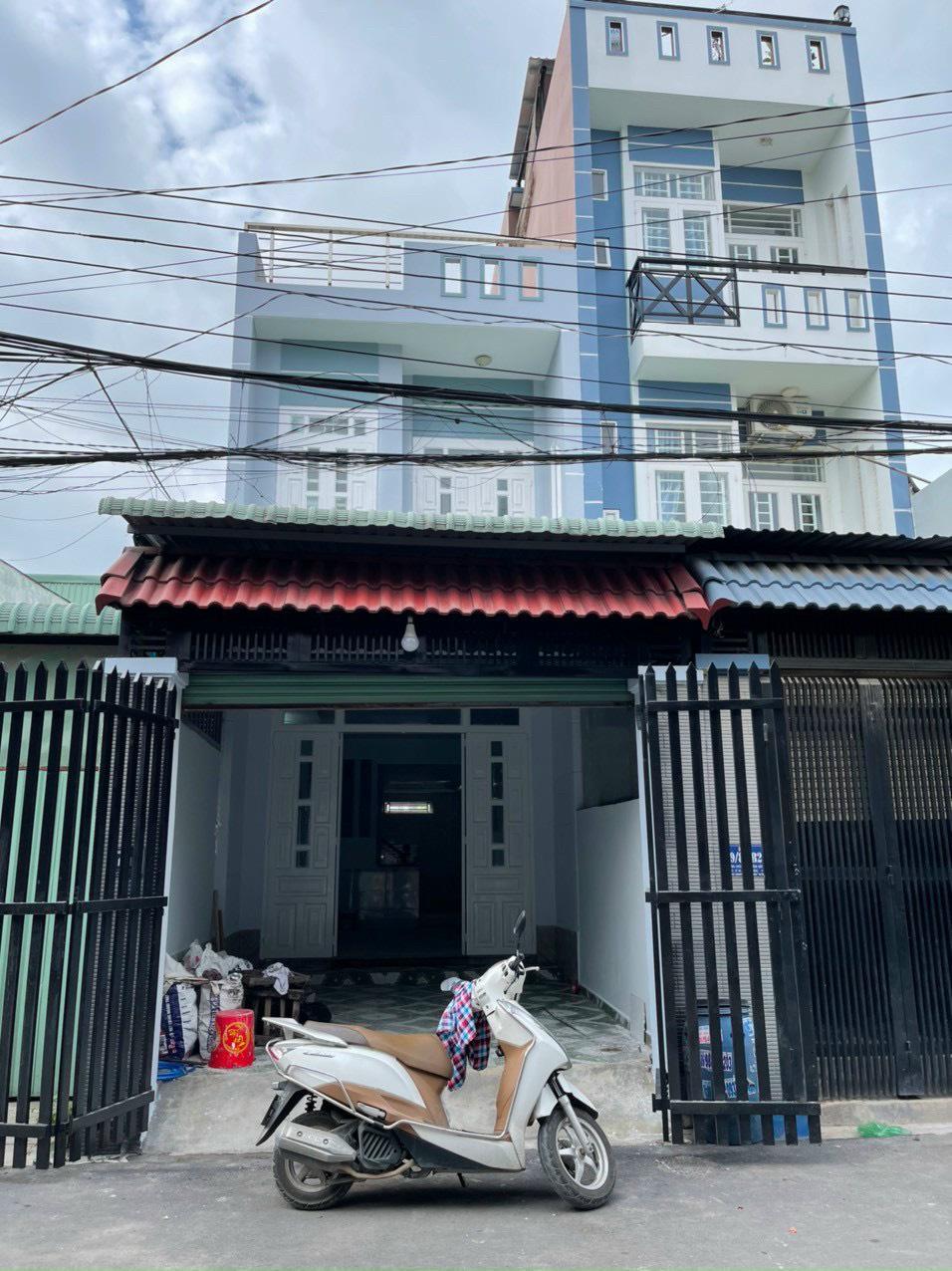 Bán nhà Dĩ An trệt lầu sổ hồng riêng gần ngã ba ông xã phường Tân Đông Hiệp , Thành Phố Dĩ An , Bình Dương